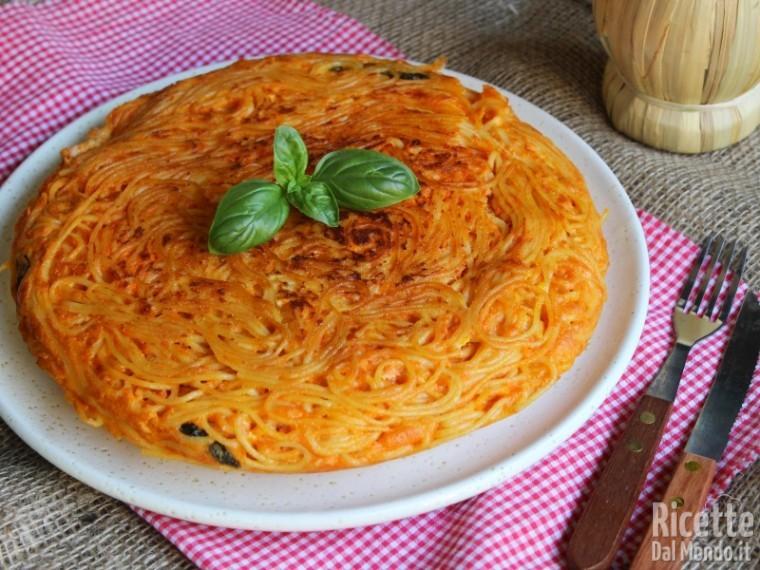 Frittata di spaghetti al sugo 8