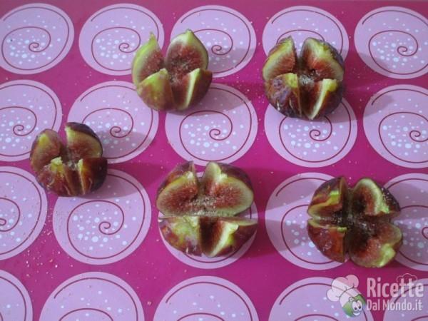Rose di fichi e prosciutto crudo dolce di Parma 3