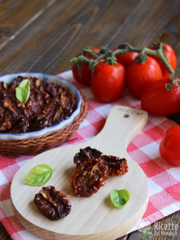 Come fare i pomodori secchi a casa