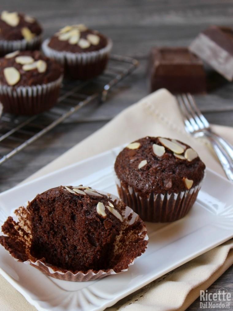 Muffin cioccolato e mandorle fatti in casa