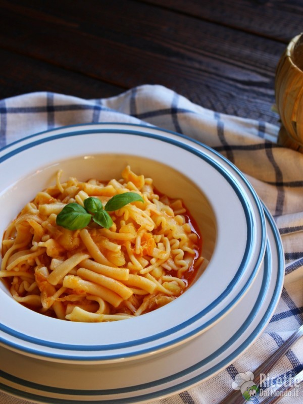 Pasta patate e verza napoletana