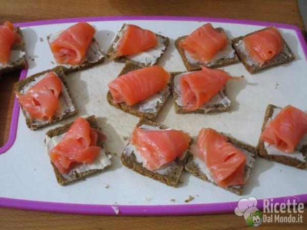 Tartine al salmone affumicato 4