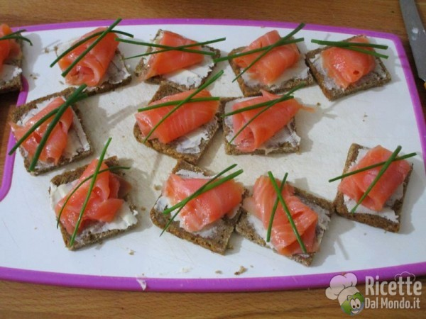 Tartine al salmone affumicato 5