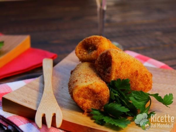 Ricetta Paccheri fritti ripieni di calamari e patate