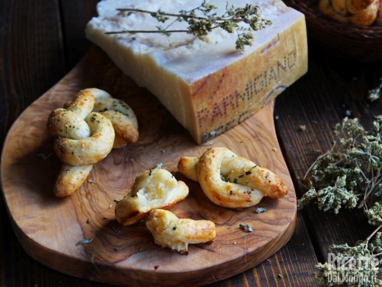 Ricetta nodini al parmigiano