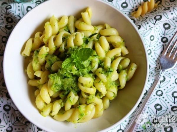 Ricetta pasta e zucchine semplice