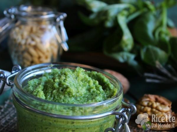 Pesto di broccoli verdi