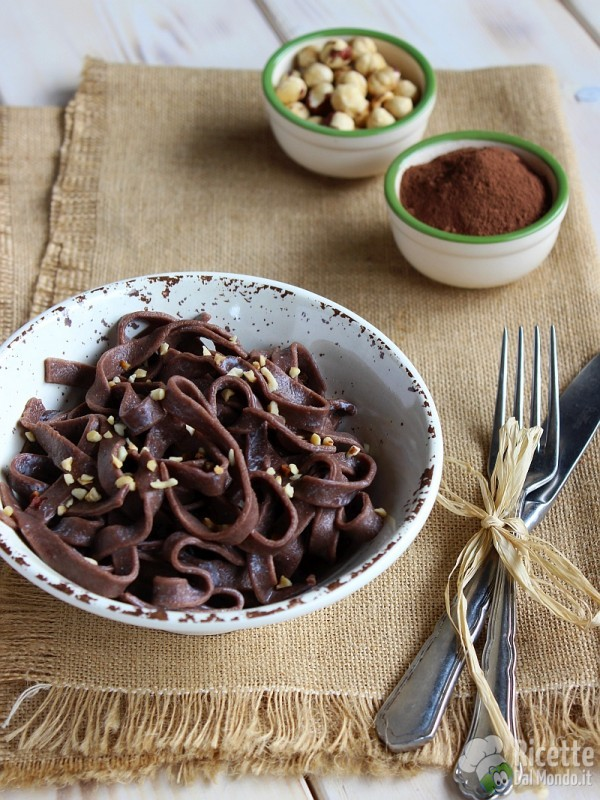 Tagliatelle al cacao e nocciole