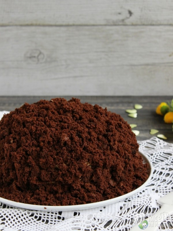 Torta mimosa al cioccolato fondente