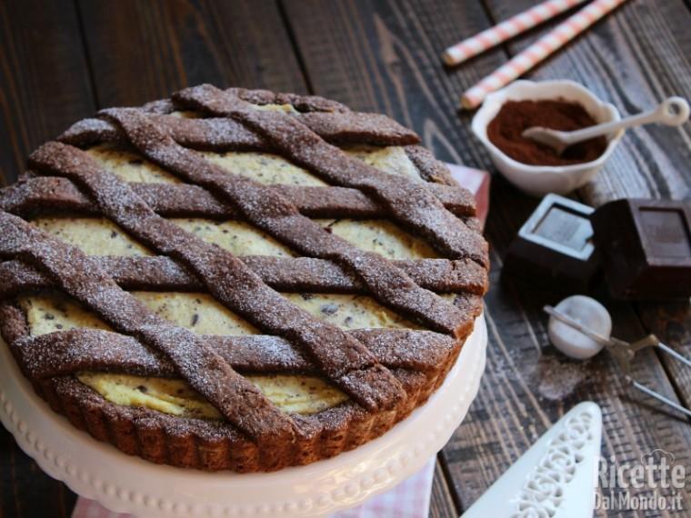 Crostata di frolla al cacao, ricotta e cioccolato