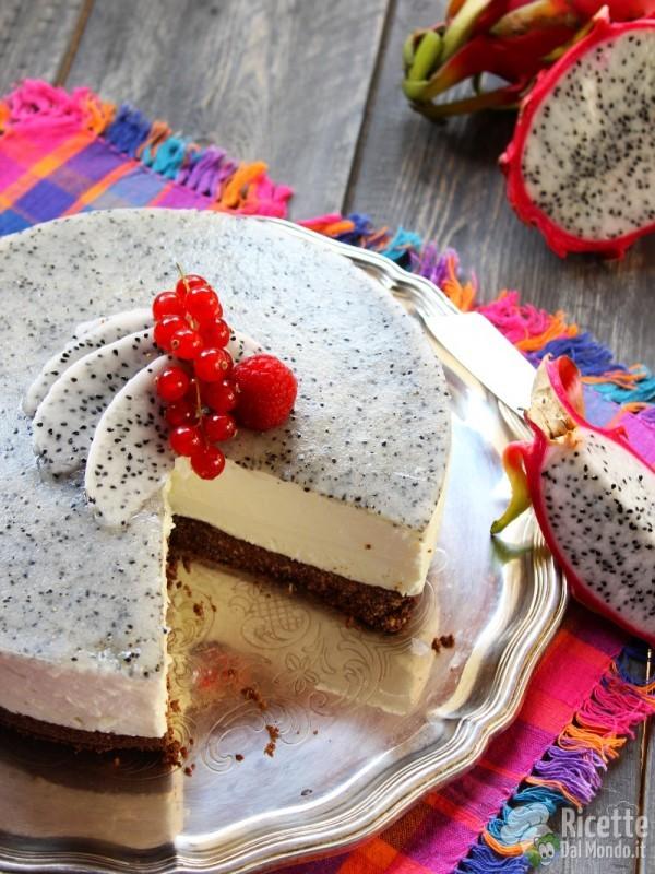Semplice cheesecake con la pitaya
