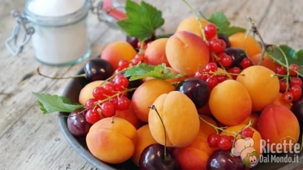Frutta e verdura di giugno: frutta fresca