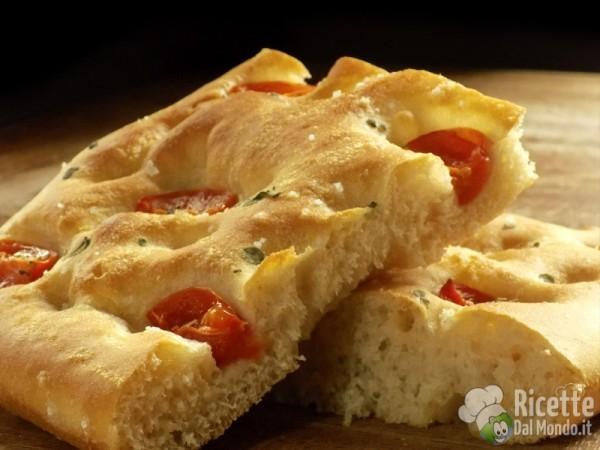 10 piatti pugliesi - Puglia, la focaccia