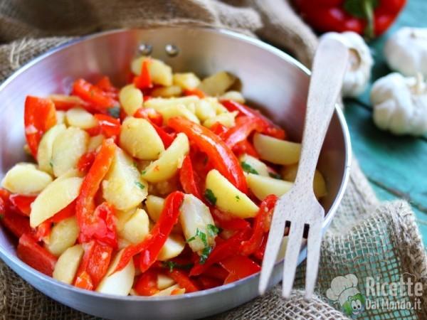 Come fare i peperoni e patate in padella