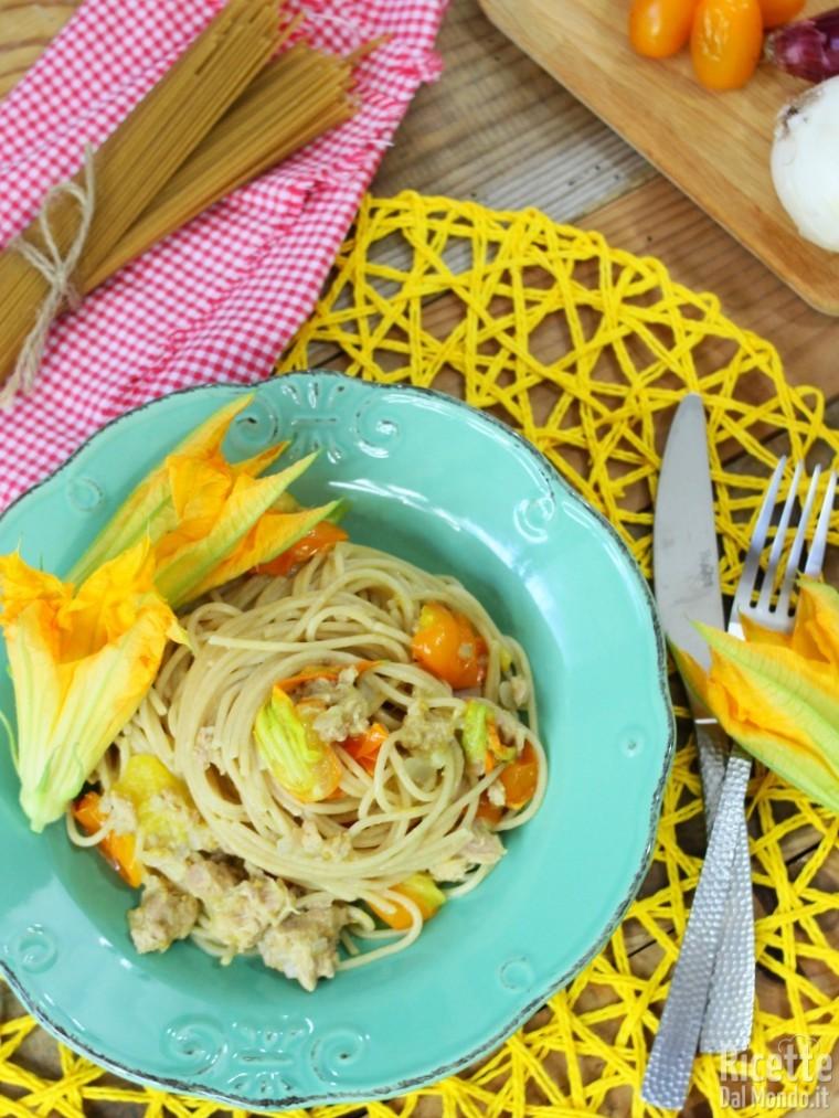 Come fare gli spaghetti integrali con pomodorini gialli e tonno
