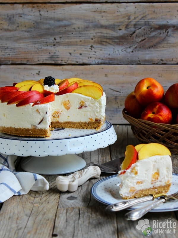 cheesecake alle pesche e yogurt fredda