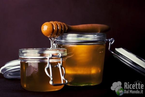 10 insoliti utilizzi del forno a microonde: riscaldare il miele