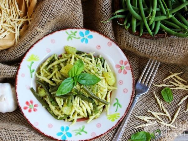 Ricetta trofie al pesto genovese con fagiolini e patate