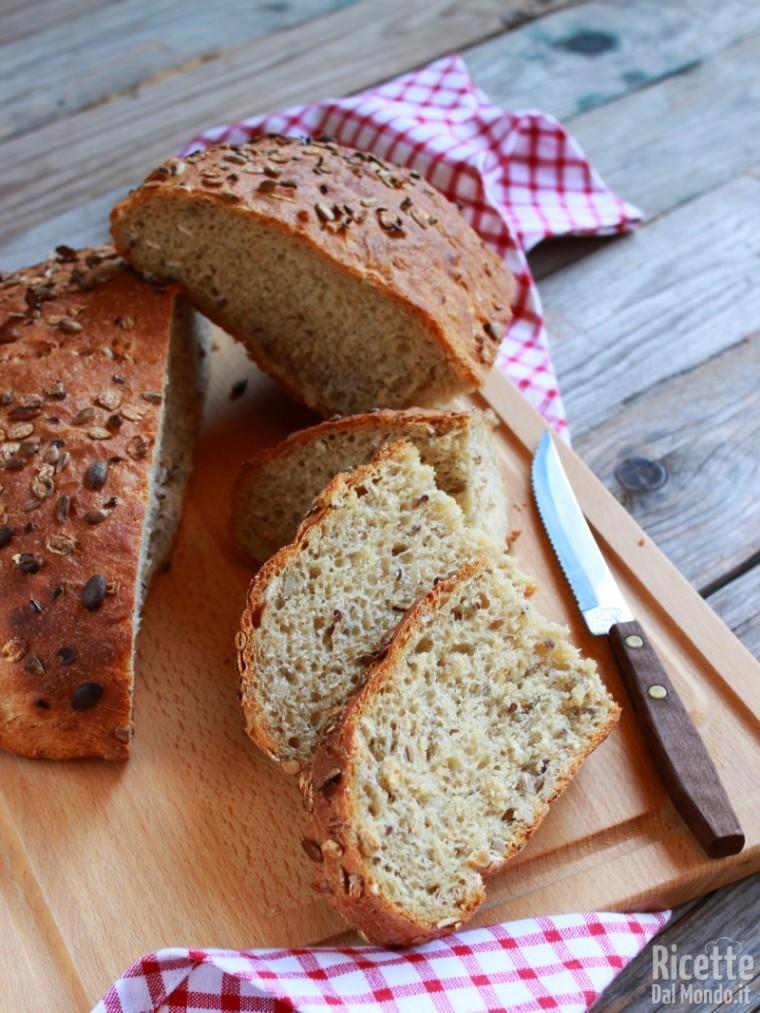 Come fare il pane ai semi misti