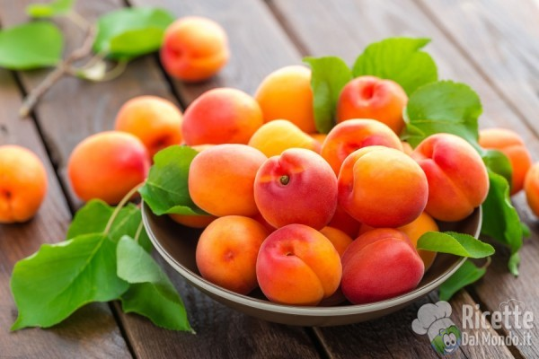 Frutta e verdura colorata: arancione