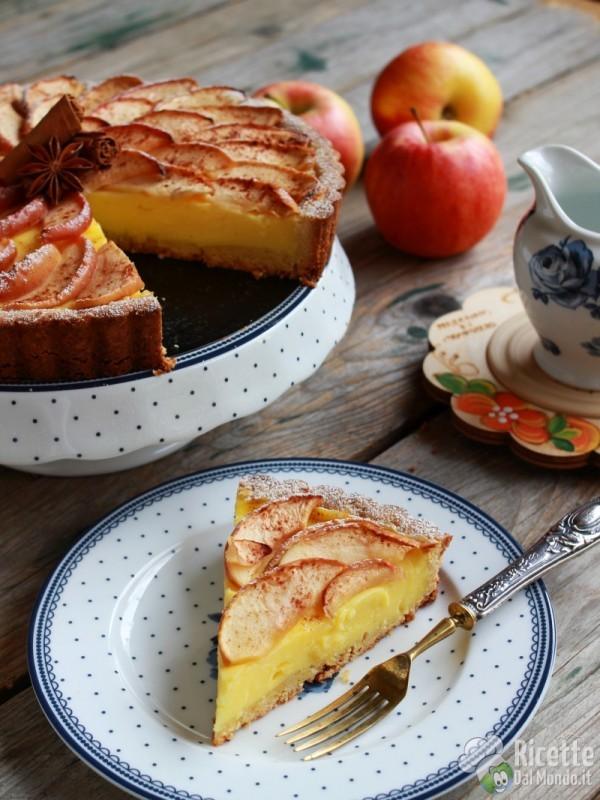 Friabile crostata di mele e crema pasticcera