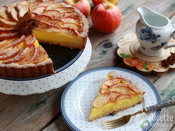 Semplice crostata di mele e crema pasticcera