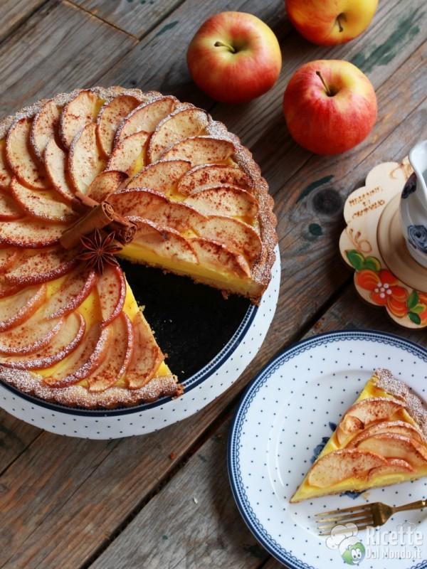Ricetta classica della crostata di mele e crema