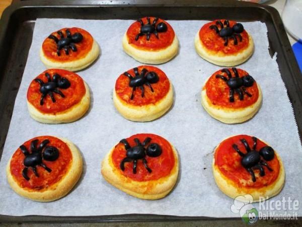 Pizzette margherita con il ragno 5