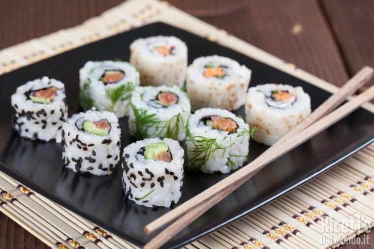 Tipi di sushi: uramaki o california roll