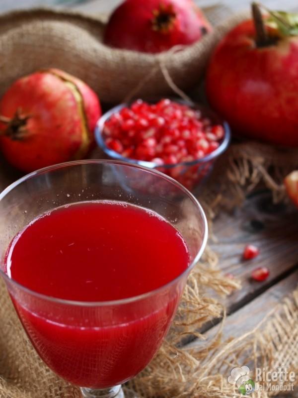 Come fare il succo di melagrana: fonte di benessere