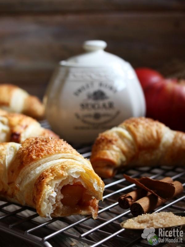Croissant di pasta sfoglia alle mele velocissimi