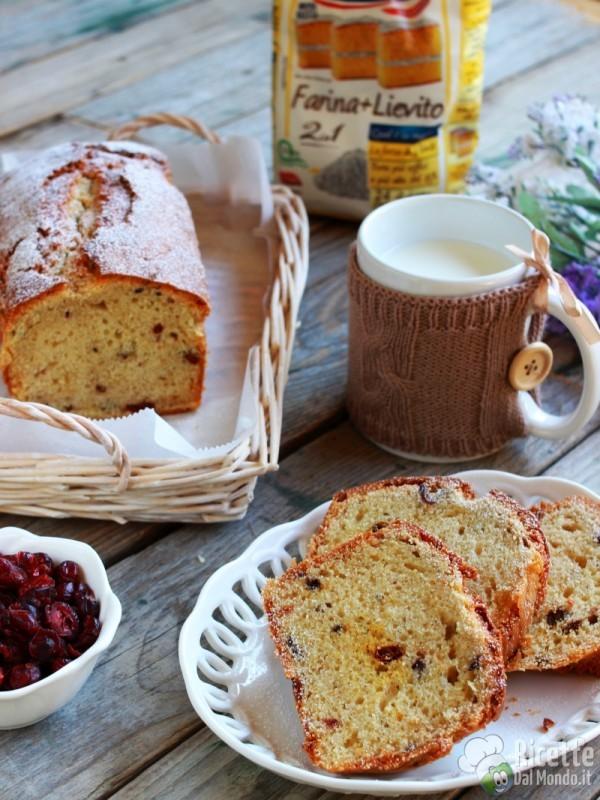 Pane dolce ai frutti di bosco secchi