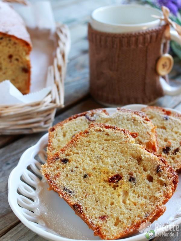Come fare il pane dolce ai frutti di bosco