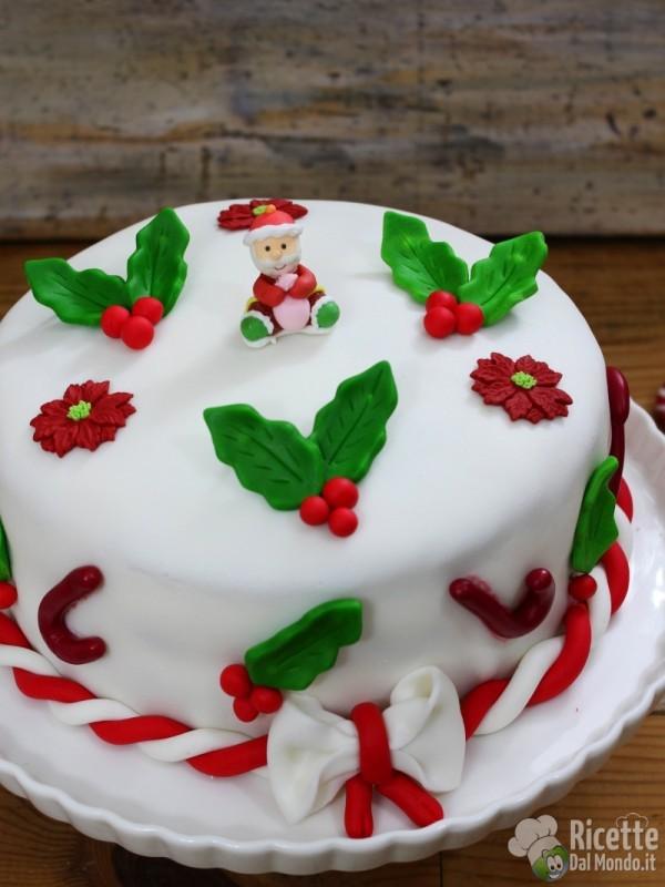 Semplice torta di Natale con pasta di zucchero