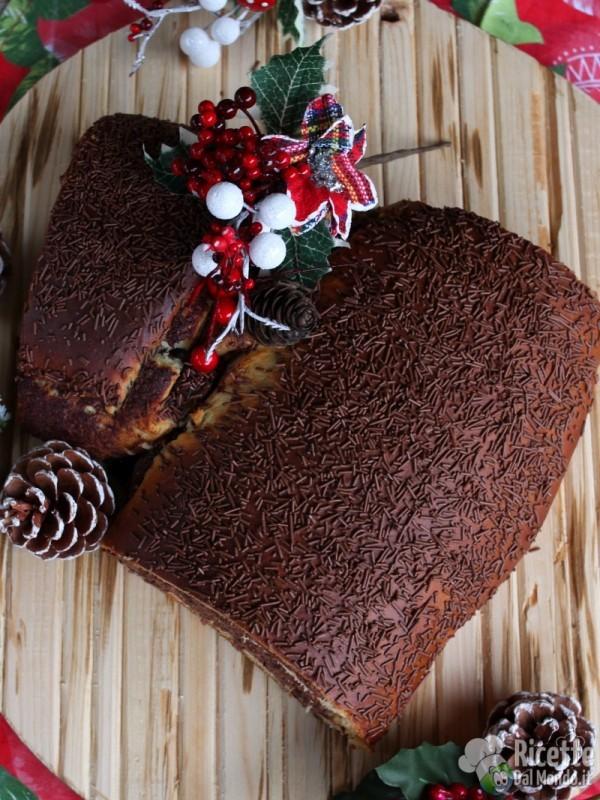 Come fare il tronchetto di Natale di brioche alla Nutella