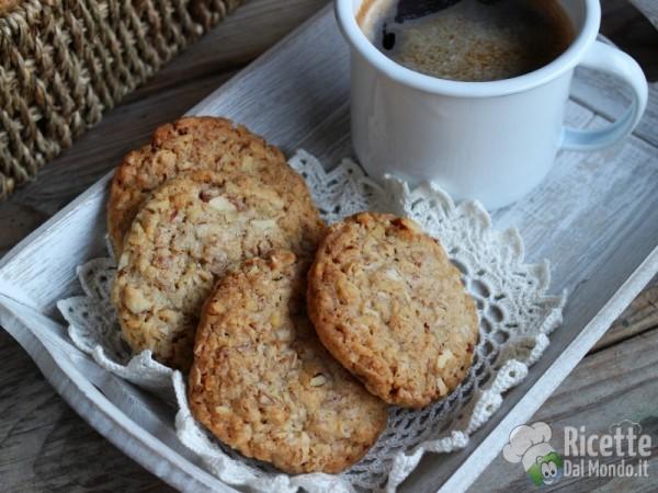 Ricetta biscotti ai fiocchi d'avena con mandorle e noci