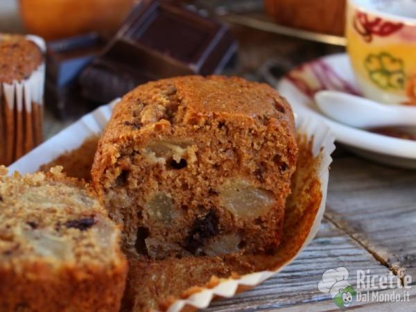 Morbidi plumcake con pere e cioccolato