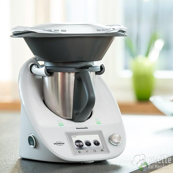 Bimby: tutti i pro e i contro del robot da cucina più fa