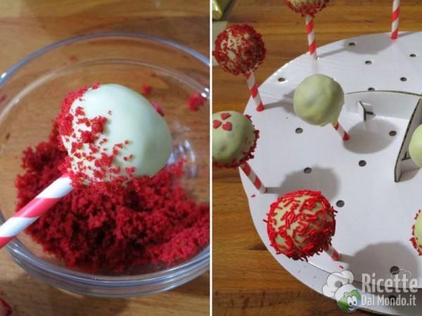 Red velvet cake pops 10