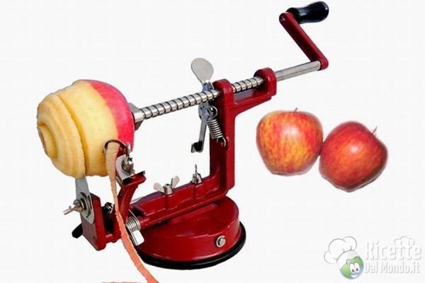 5 strani strumenti in cucina: tornio sbuccia mela