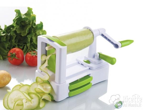 5 strani strumenti in cucina: affetta verdure girevole