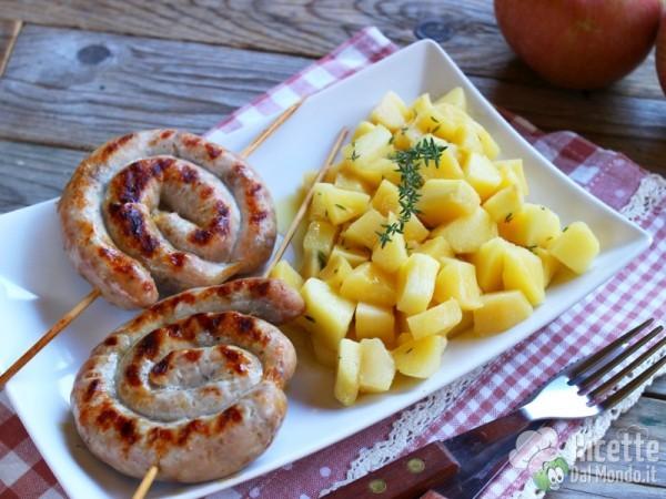 Ricetta spirali di salsiccia con le mele