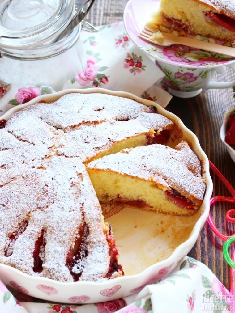 Come fare la torta di fragole soffice