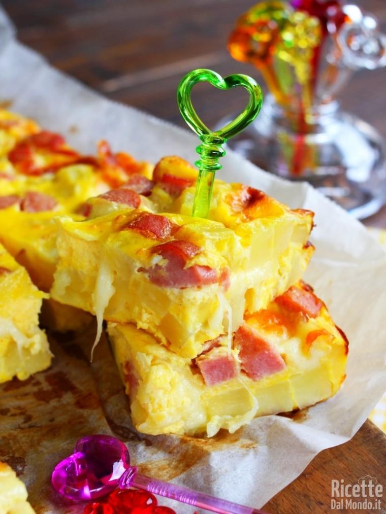 Come fare la frittata di patate, wurstel e mozzarella
