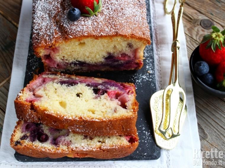 Ricetta plumcake fragole e mirtilli