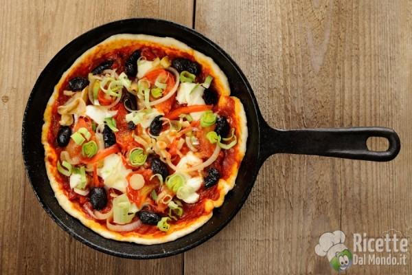 Pizza al padellino: di cosa di tratta