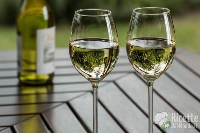 Degustazione del vino: esame visivo, olfattivo e gustativo