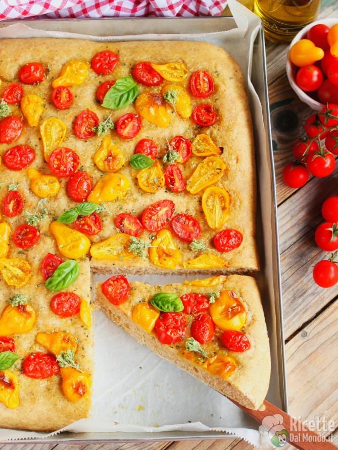 Ricetta pizza integrale con datterini