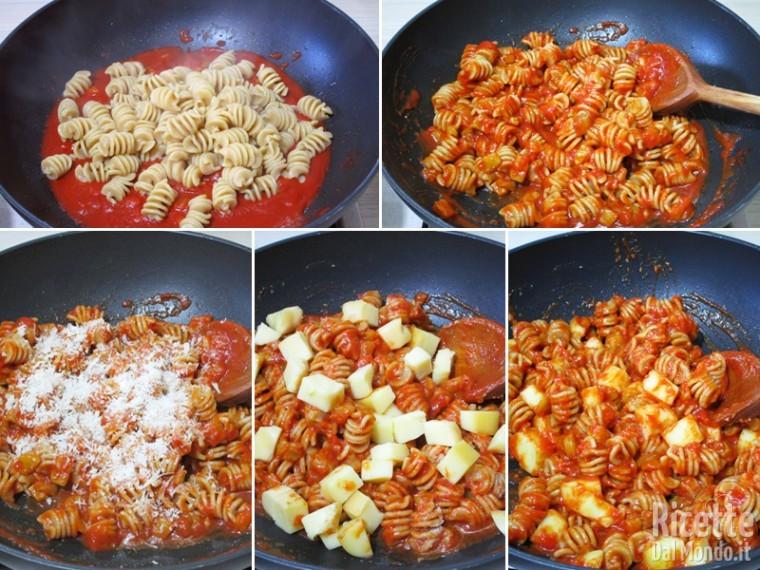 Cuocere la pasta e aggiungerla al sugo