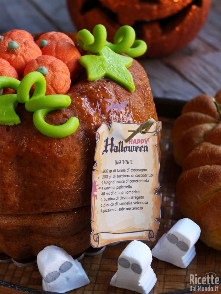 Torta a forma di zucca per Halloween
